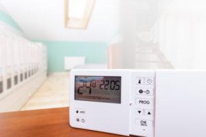 thermostat connecté intelligent gérer température à distance outils